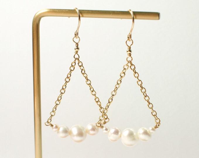 Pearl Earrings // 14K Gold-filled // Feminine & Elegant