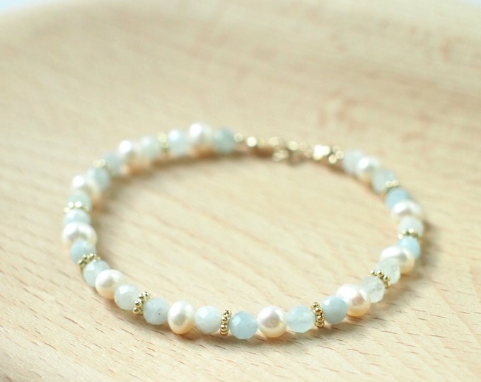 Aquamarine x Pearl Bracelet // Feminine & Chic // Stackable // 14K Gold-filled