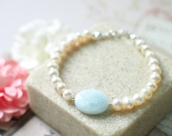 Pearl Bracelet // Oval Aquamarine Charm // 925 Sterling Silver // Stackable // Chic & Dainty // Romantic