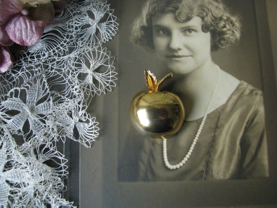 Vintage Teacher's Apple Pin, Vintage Golden Apple