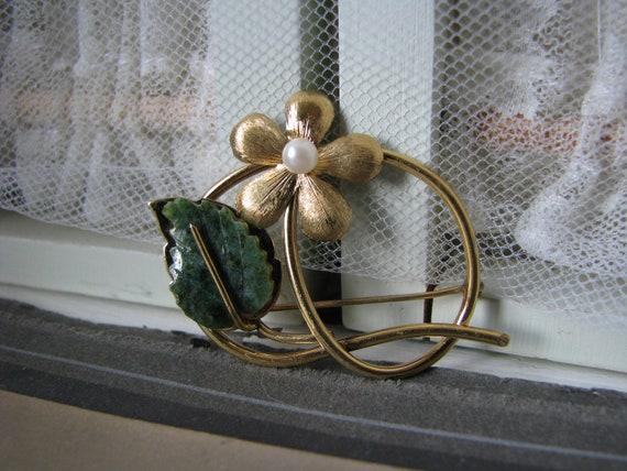 Vintage Jade Brooch, Vintage Pearl Brooch, Gold F… - image 3