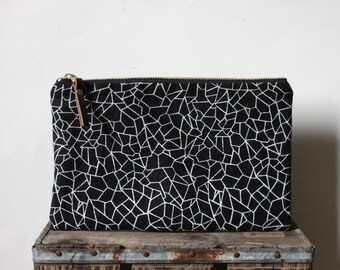 Mica Large Pouch