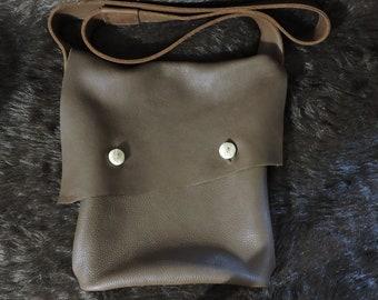 Big Basic Heavy Leather Haversack / Satchel / Shoulder Bag / Messenger Bag