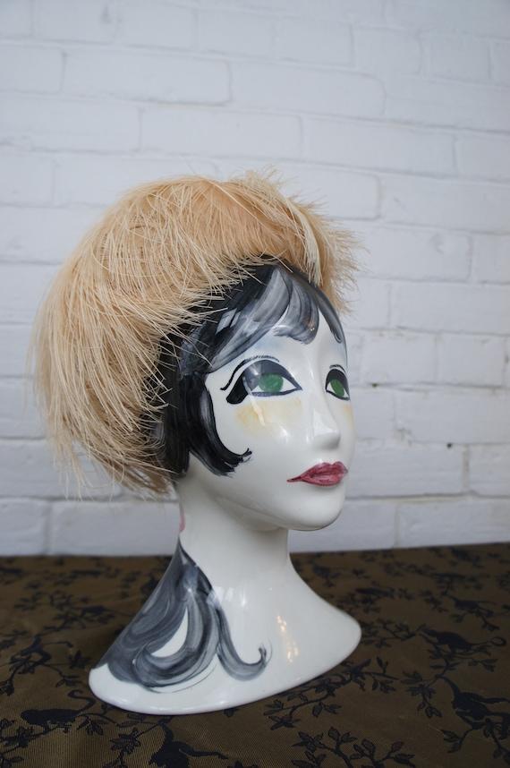 OSTRICH FEATHER Vintage 1950's Cream Ostrich Feath