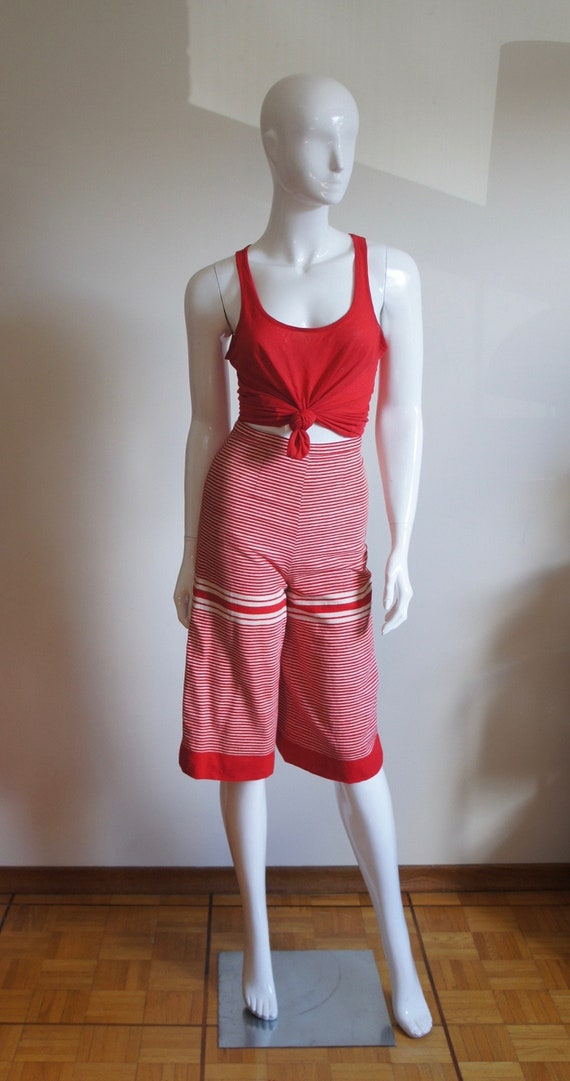 CHUCK HOWARD BOUTIQUE Vintage 1960's Striped Red &