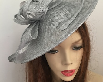 Fascinator Hat silver Grey Saucer headpiece on hairband, Wedding Hat, Gray Hat for the races, Mother of the bride