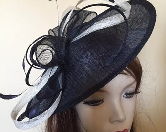 Fascinator Hat Navy Ivory/cream hatinator on hairband, perfect for the races or a wedding