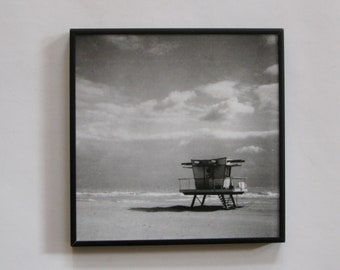 Miami beach - Silkscreen print on glass with enamels - Lifeguard stand