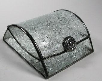 Glass jewelry box - classic pattern