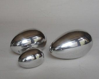 Handmade cast aluminum eggs - 3 pieces