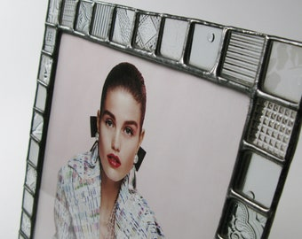 8 X 10 picture frame - Clear glass pattern - Vertical or horizontal