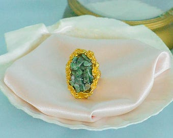 vintage 1960s jade stone cluster & gold ring
