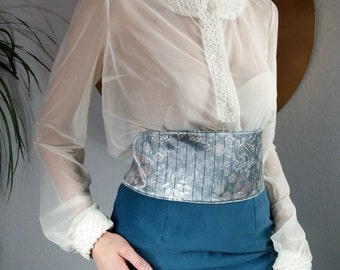 Transparent blouse ecru tulle / long sleeves.11715.