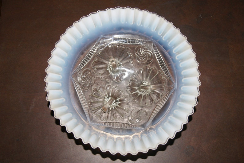Vintage Northwood RUFFLES AND RINGS pattern White Opalescent Footed Bowl Ruffled Edge 1906