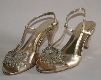Gold Formal Prom MERONA Sling Back Pumps Or Heels Size 5 And A Half With Toe Decoration And Three Inch Heel