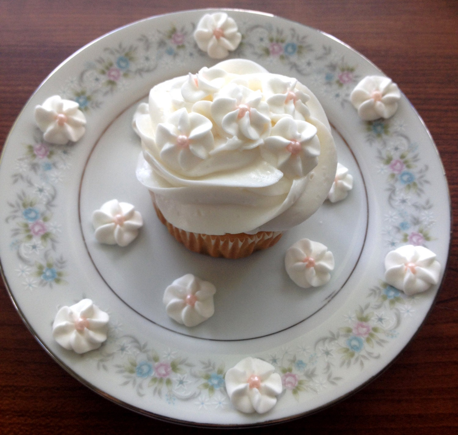 White Royal Icing Flowers With Pink Pearl Centers 100 Etsy