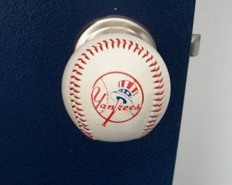 TEAM LOGO Baseball Doorknobs made with a genuine Rawlings baseballs