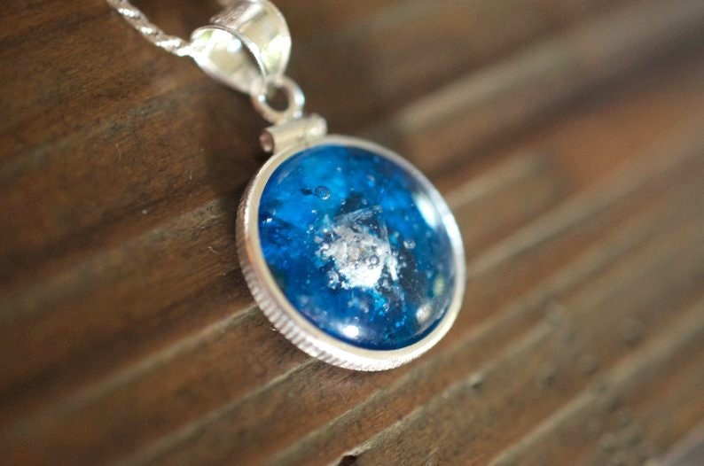 Sterling Silver Round Glass Keepsake Pendant 925 Silver Blue Round Pet Memorial Necklace Glass To Ashes Cat Dog Funeral Memento Necklace