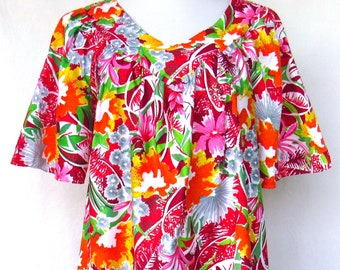 1423cb50b77f Vintage Sears Cotton Muumuu Red Pink Grey Hawaiian Floral V Neck Loose  Caftan Fit Patio Lounge Dress S 8-10