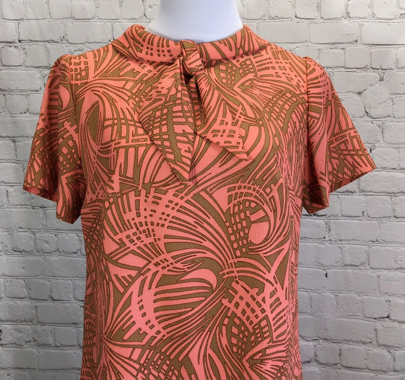 1960/'s Betty Hartford Crepe Day Dress Size 16 Coral Pink /& Tan Short Sleeve Collar with Neck Tie