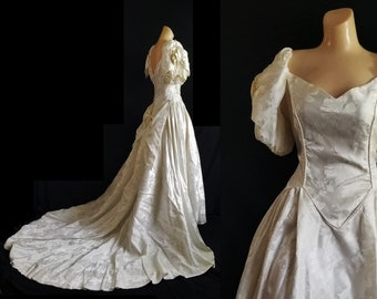 fccf55778e2 Vtg 80s Alfred Angelo Brocade Princess Cut Ivory Wedding Dress with Train