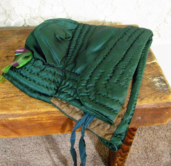 Antique 1840s Victorian Forest Green Quilted Silk… - image 4