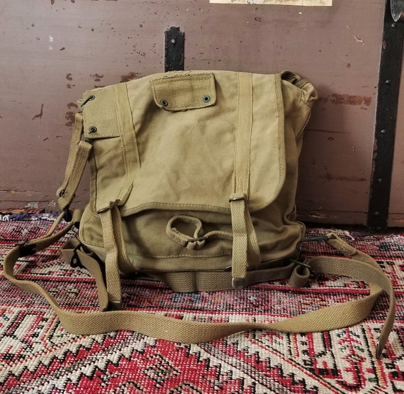 Vtg 1940s WWII U.S.M.C. Canvas Bag / Backpack