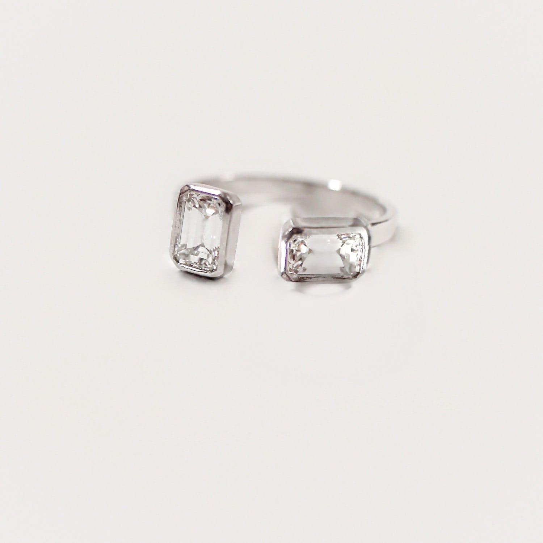 14k gold 75 ct emerald cut diamond ring