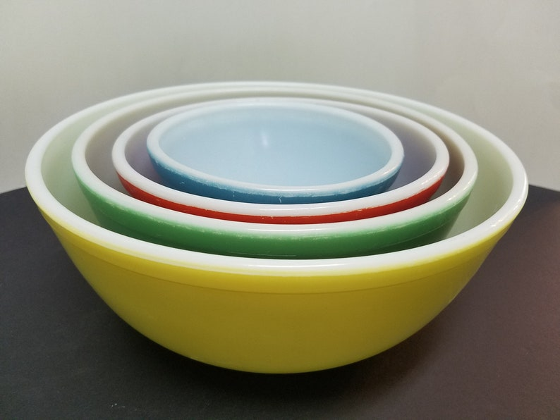 Pyrex primary colors nesting mixing bowls set of 4 image 0