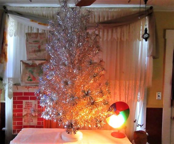 Color Wheel For Christmas Tree.Vintage Silver Christmas Tree Splendor 100 Branch Silver Pom Pom Christmas Tree Rotating Tree Stand Silver Christmas Tree Color Wheel