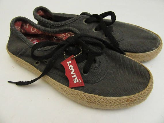 Levi's canvas shoes, hippie, canvas shoes, size 6