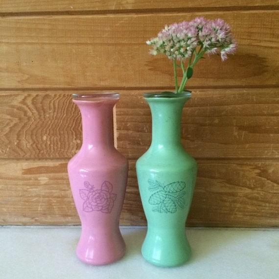 petit vase paire de vases vase en verre rose et vert avec etsy. Black Bedroom Furniture Sets. Home Design Ideas