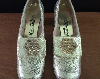 Vintage O'Connor & Goldberg gold shoes size 6 B