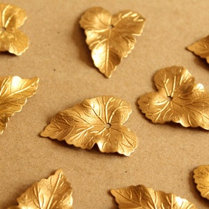 Spring Solitaire Stud Batchelor ButtonCollar Stud Acid Tested Brass Back Ivy Leaves VintageAntique Gold Front Wests Patent