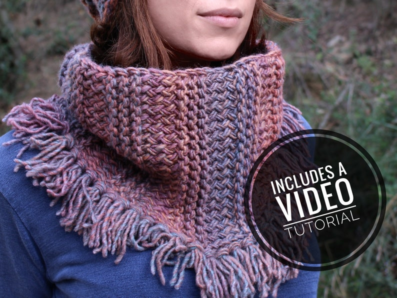 Loom Knit Fall Cowl / Scarf with Tassels / Fringes Pattern  image 0