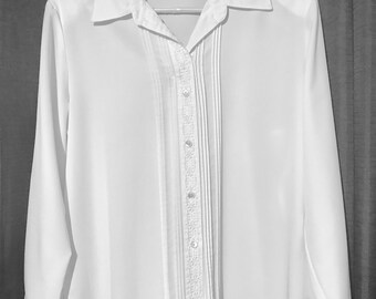 67ffb355fcc1a Liz Baker Women s Tailored Blouse White with Tucks and Floral Braid Size 14