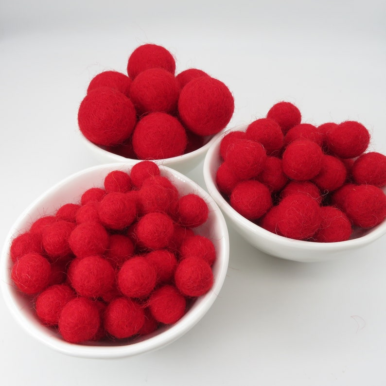 Felt balls  Wool Felt Balls  Pom Poms Poppy Red x 10-3 Sizes 100/% Wool Felt Balls