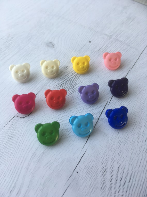 10 x PINK TEDDY BEAR SHAPED BUTTONS ~ 26L CRAFT// BABIES Approx 15mm