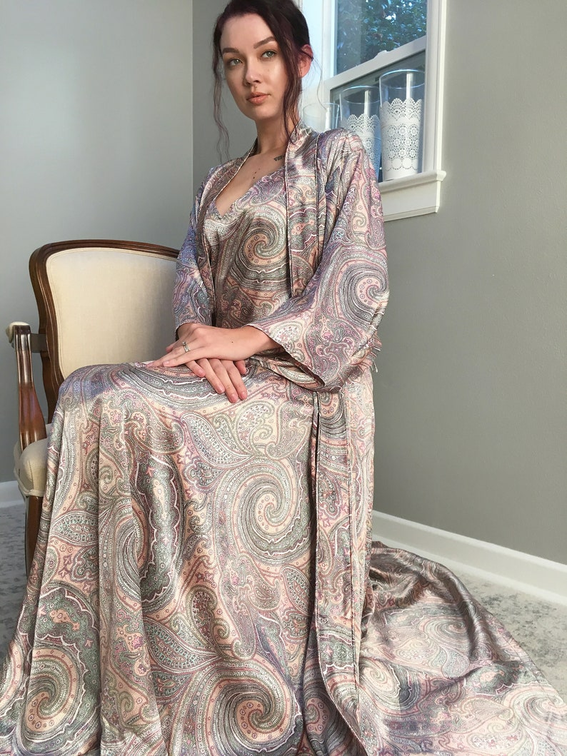 La Vie Boheme. Long satin paisley robe   piping detail Tall  bdc1cfc0e