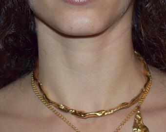 U27 choker necklace