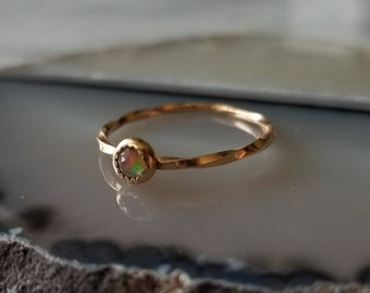 14k gold opal ring, size 7.25