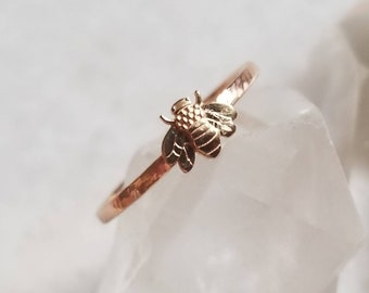 Sweet tiny bee 14k gold stacker ring, size 7