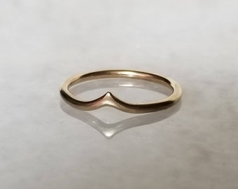 14k Gold Peak Ring, Handmade Arch Band Size 6.5