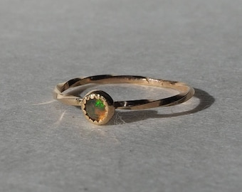 Handmade solid 14k gold fire opal nebula ring, twisted band, size 7.25