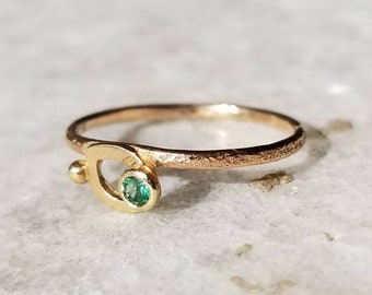 Unique emerald on a leaf, 14k gold plant stem band, small emerald ring, size 6.75