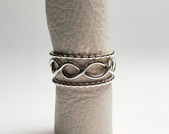 Unique Twisted Stacking Ring Set, Size 7