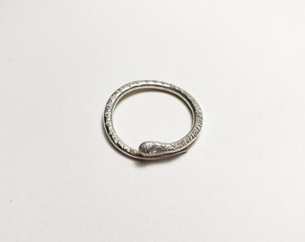 Unique sterling silver patterned snake ring, size 8.5