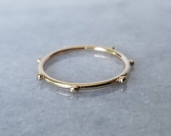 Dainty 14k gold dot ring, size 6.75