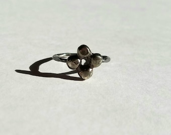 Black forget me not flower ring, size 6.75