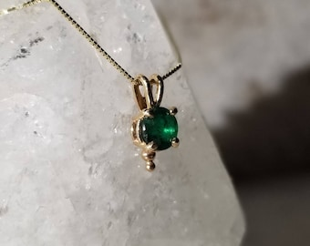 14k gold and emerald pendant